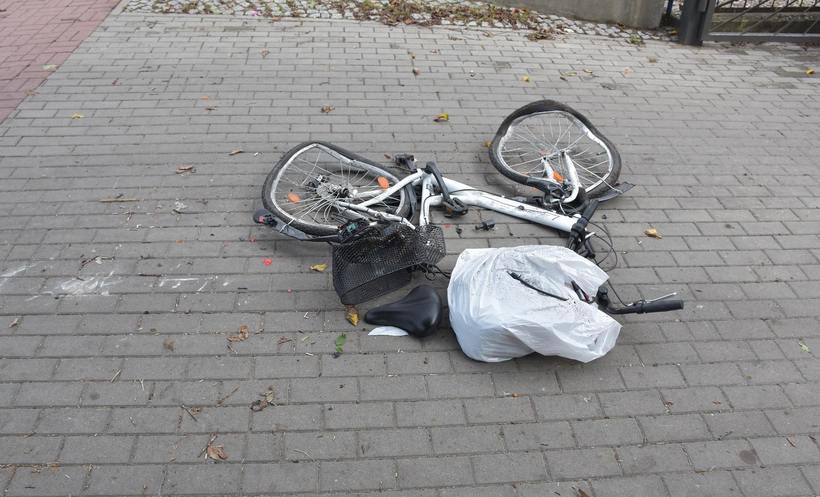 Miejsce zdarzenia drogowego w Działdowie Miejsce zdarzenia drogowego w Działdowie. Uszkodzony rower