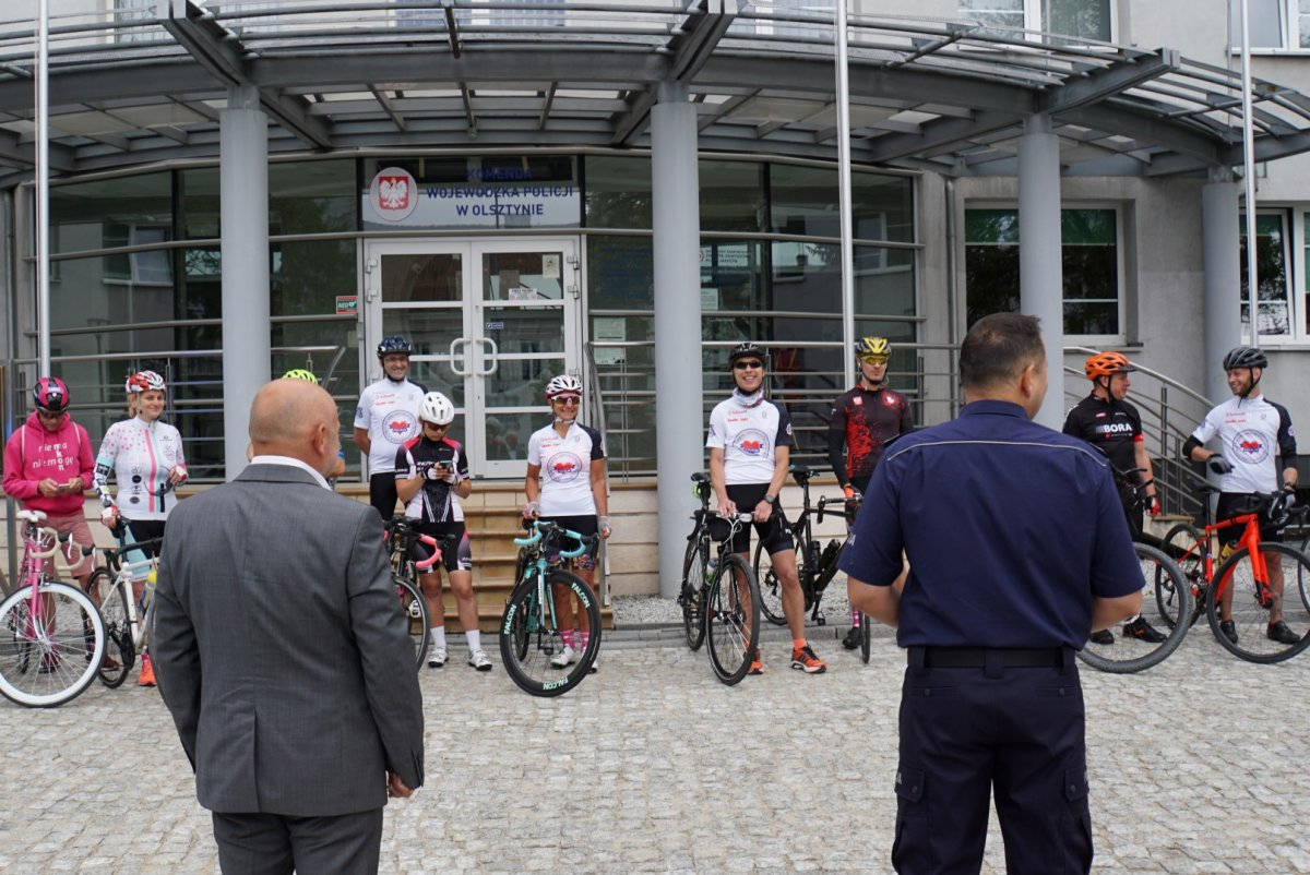 Uczestnicy policyjnego rajdu rowerowego